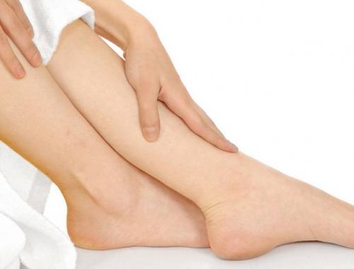 La importancia de cuidar los pies. Consejos del Dr. César Canales para toda la familia