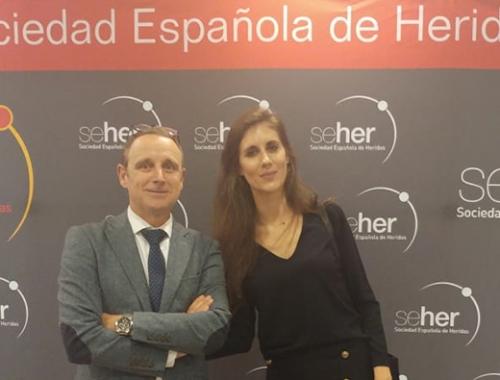 Muvu en el Congreso SEHER con la Dra. Elena Conde, especialista en dermatología