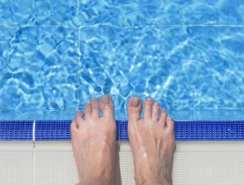 Consejos para evitar hongos e infecciones en los pies este verano